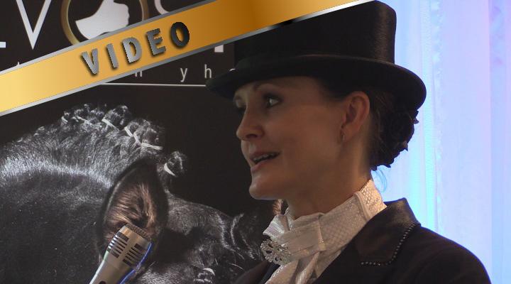 Mia von Schlutz kouluratsastuksen Smal Tour finaalin voittaja haastattelussa